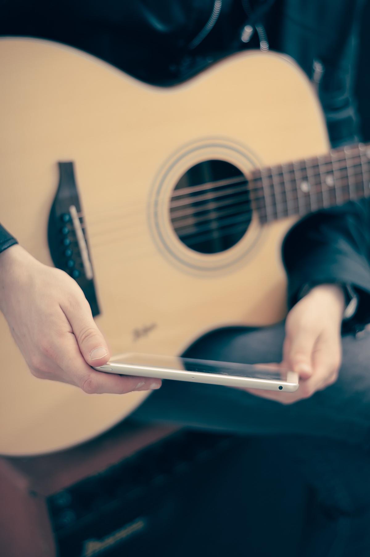 Guitar Lessons Bakersfield, Music Studio Bakersfield, SILO Guitar Aficionado